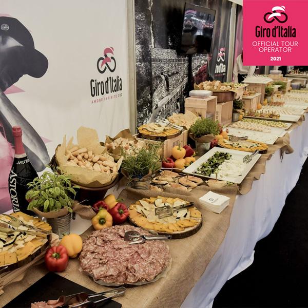 Grande Arrivo Milano - Giro d'Italia 2021 - Bike Division Tour Operator